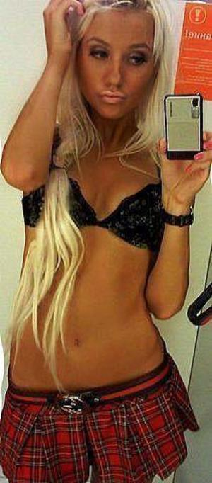 Eliana from Indiana is looking for adult webcam chat
