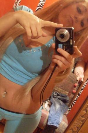 Kizzy from  is looking for adult webcam chat