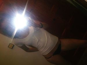 Looking for local cheaters? Take Emmaline from Massachusetts home with you