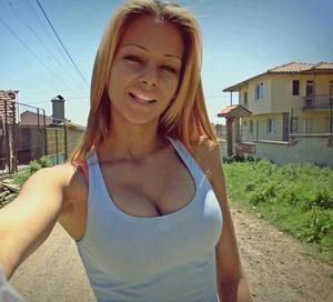 Coretta from Oklahoma is looking for adult webcam chat