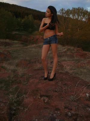 Lilliam from Oregon is looking for adult webcam chat